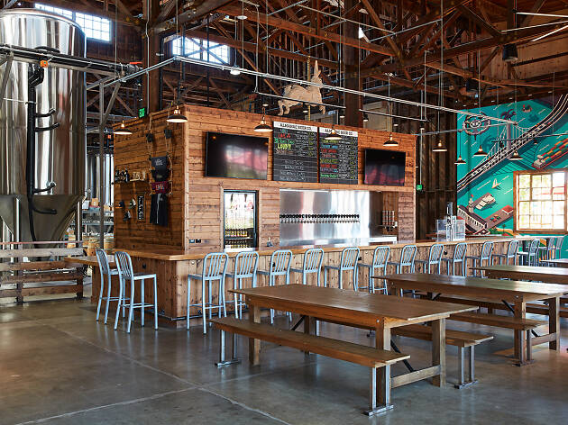 Almanac Brewery's bar area