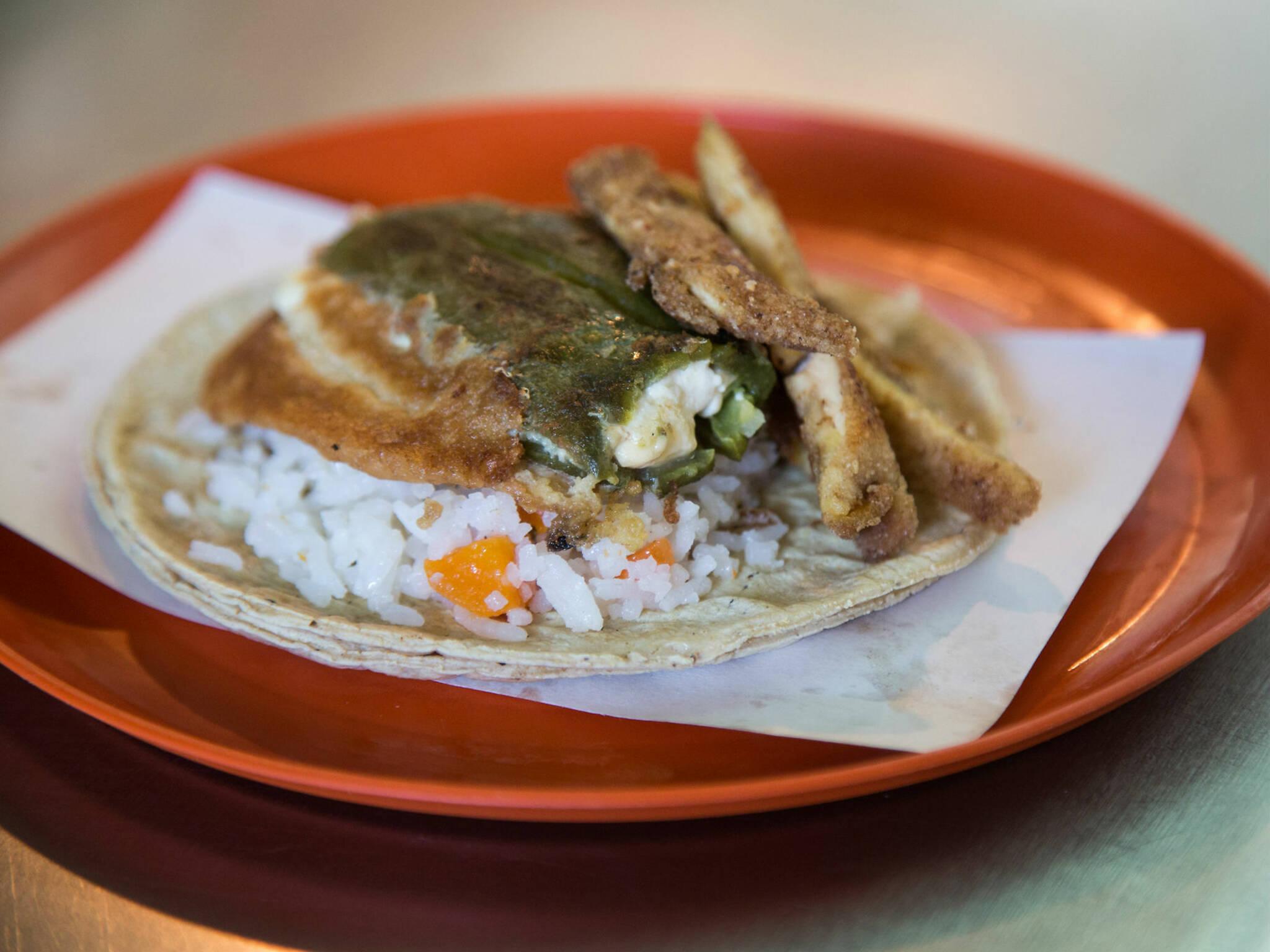 Tacos de guisado del Mercado de San Pablo Oztotepec