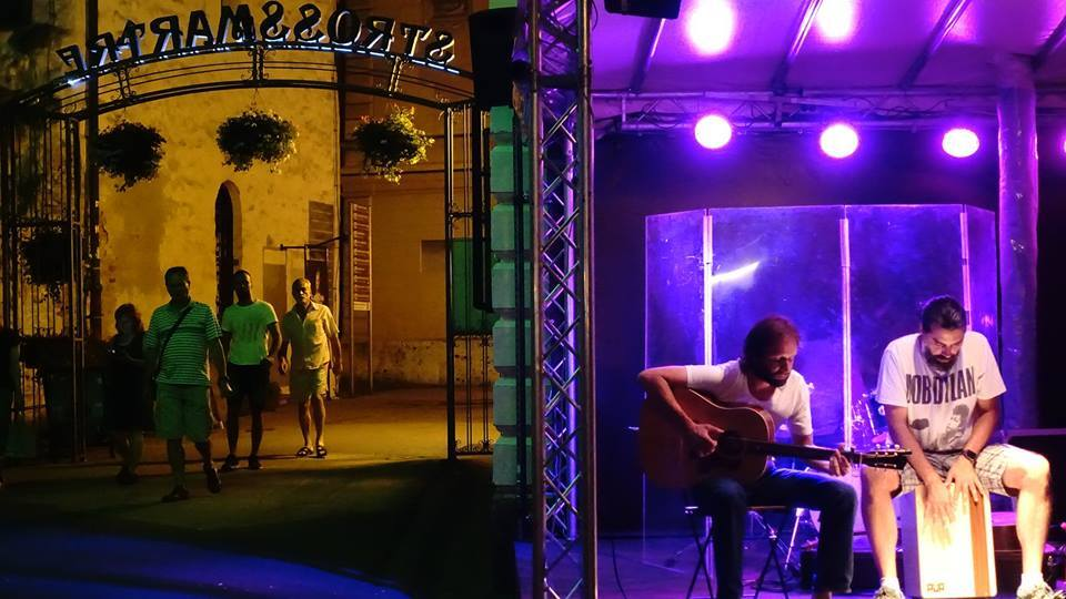 Strossmartre: Summer on Stross