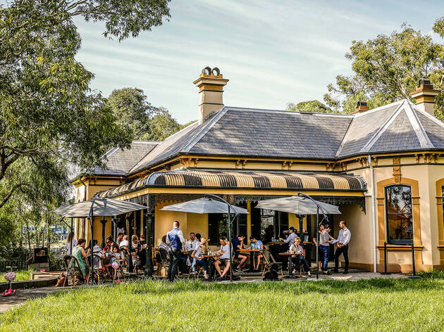 Bellevue Cottage by Antoine