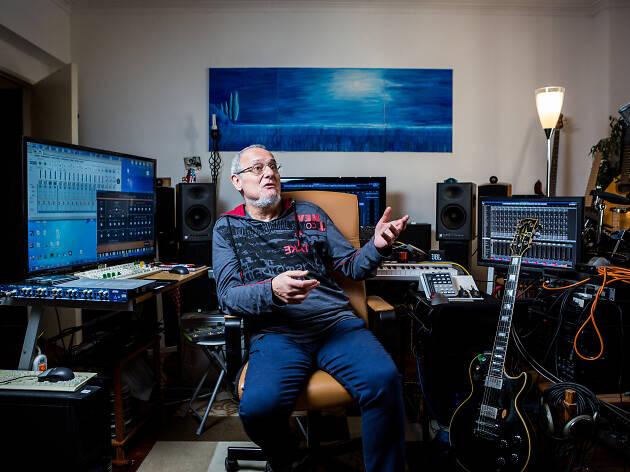 Manuel Cardoso na sua casa-estúdio