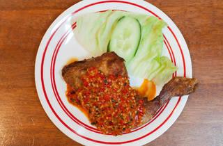 Level 5 chilli sauce at Shalom