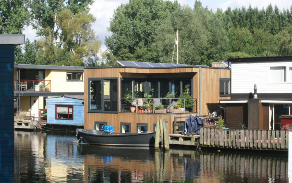 Airbnb Amsterdam houseboat