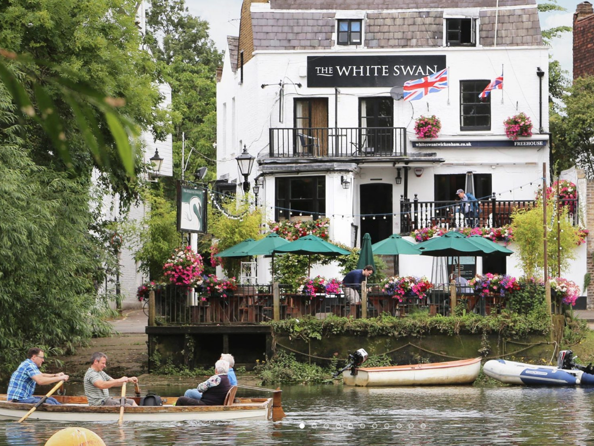London's best riverside pubs, the white swan in Twickenham