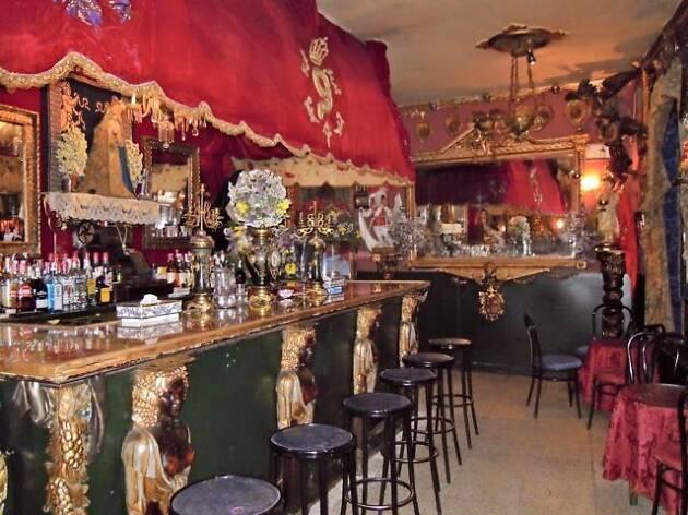 Bar Garlochi