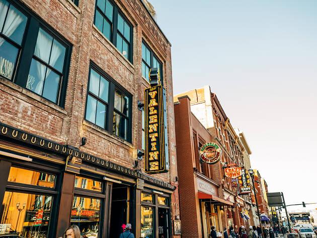 Nashville honky tonks on Broadway