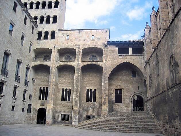 Escales Plaça del Rei