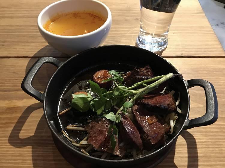 肉バルアンドワイン ランタン有楽町店