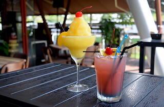 Cheval Café, Bar & Bistro
