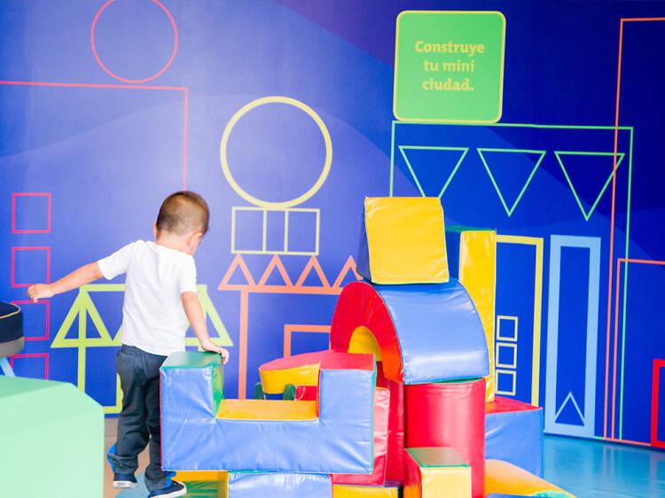 Celebra a los pequeños del hogar en el Papalote Museo del Niño