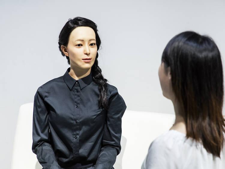 Peek into the future of robot science at Miraikan