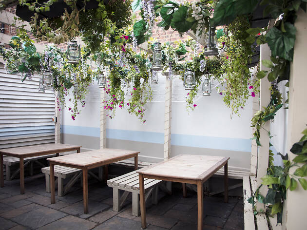gunmakers pub, london's best beer gardens