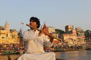 Vinod Prassana playing the bansuri