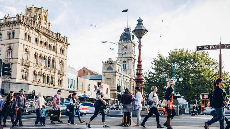 People crossing street in Ballarat CBD