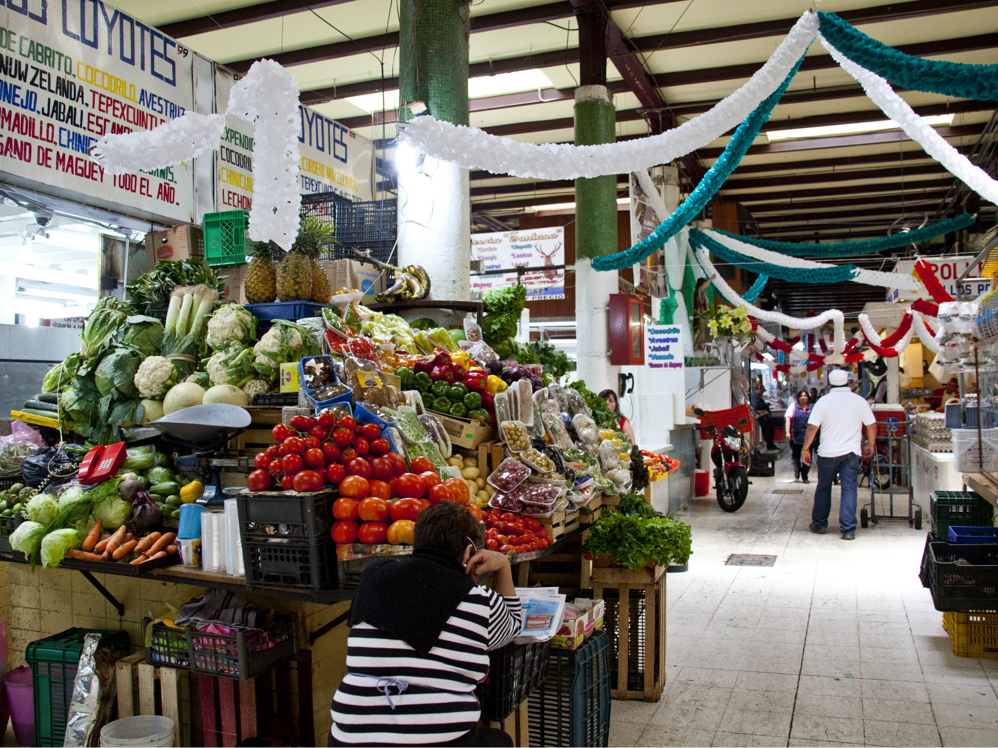 Recorrido por el Mercado San Juan