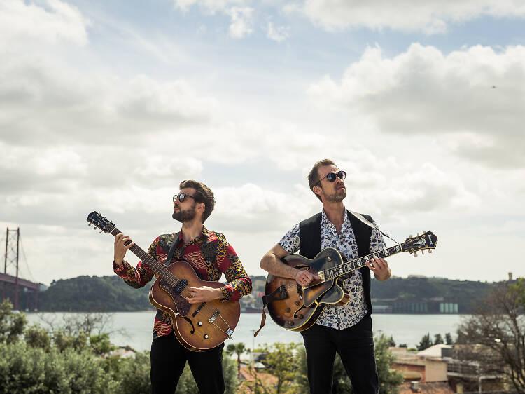 Mano a Mano: a história de guitarras dos irmãos Santos