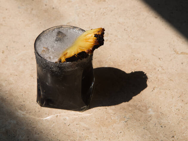 Comal de piedra coctel de carbon activado