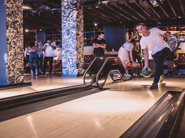 Skate and bowl at QUEENS for just £5