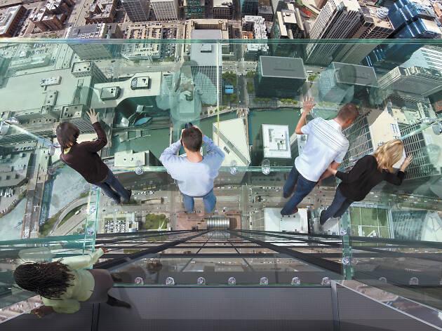 3. Sube a lo más del Willis Tower Skydeck