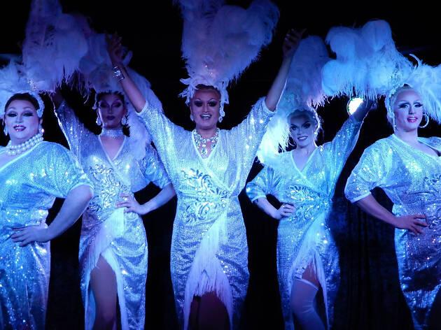 Drag queens at Vau d'Vile