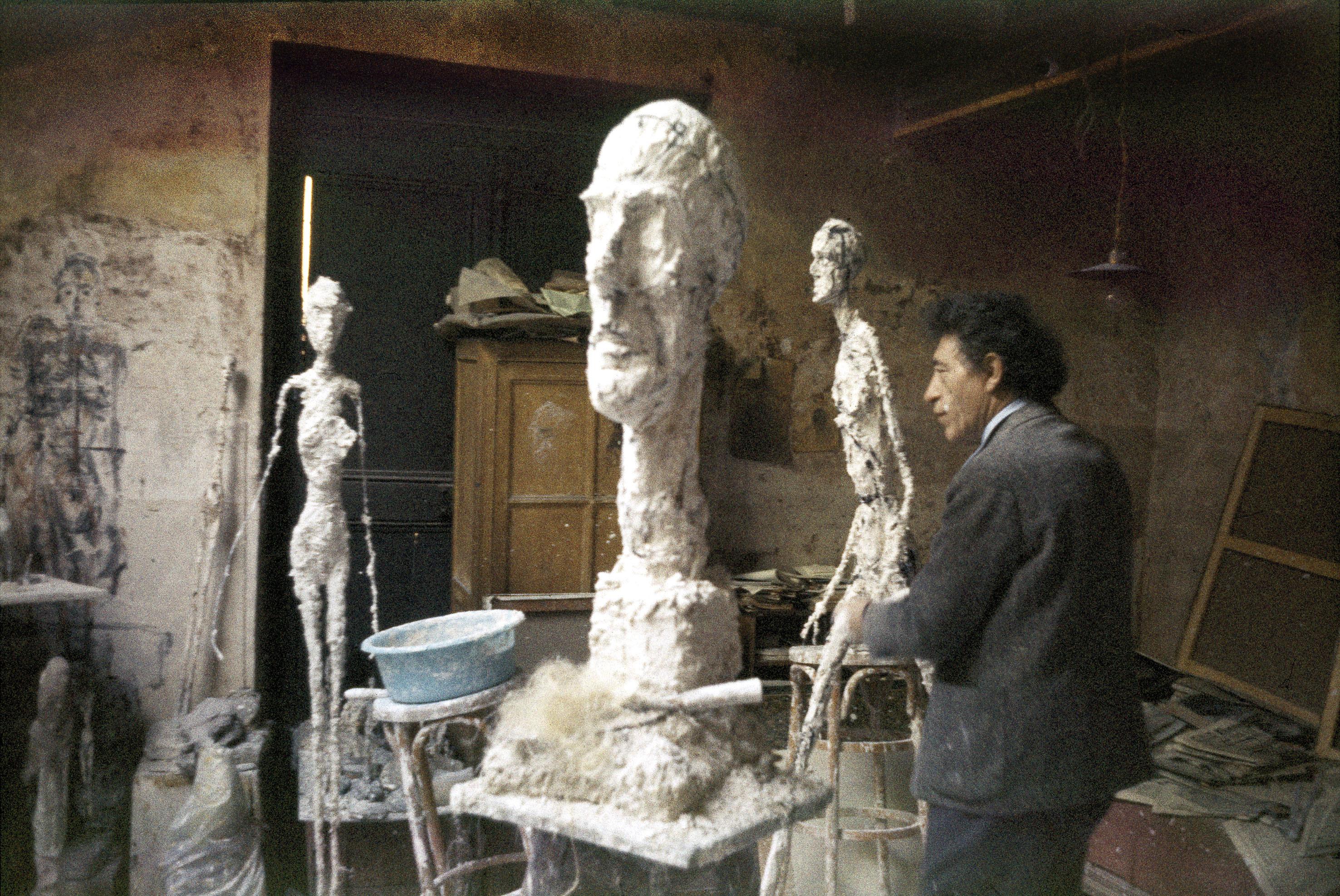 10. Rinde homenaje al escultor suizo en la Fundación Giacometti