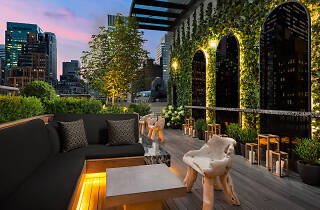 Castell Rooftop Lounge