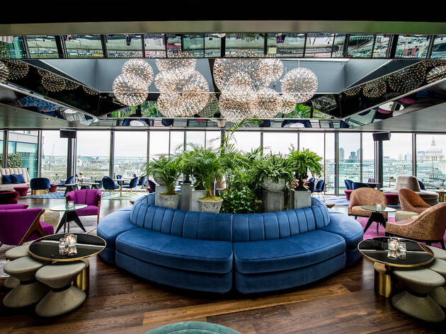 An exclusive Sea Containers tasting menu and a cocktail in the rooftop bar