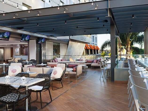 Nixo Patio Lounge in Downtown Los Angeles