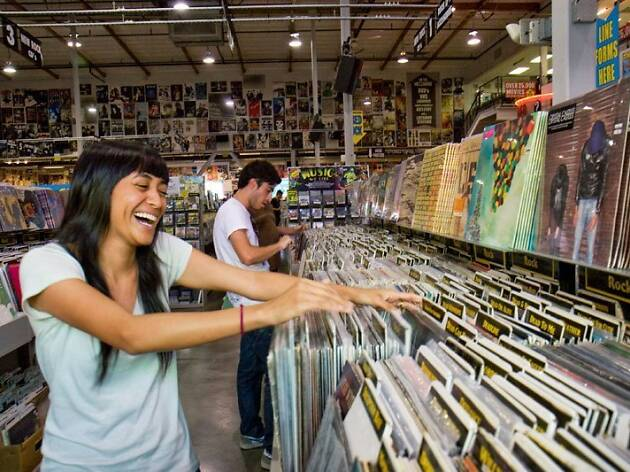 19. Buscar discos en Amoeba Music