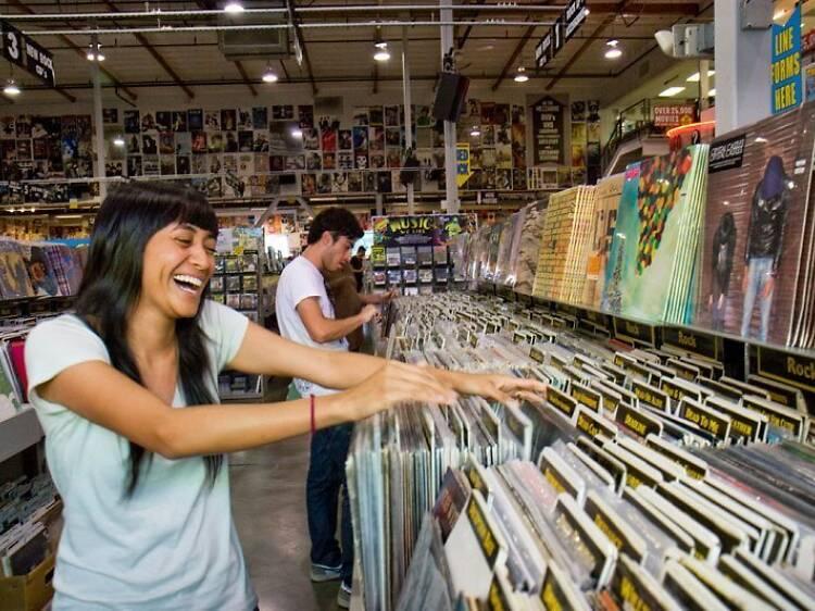 Buscar discos en Amoeba Music
