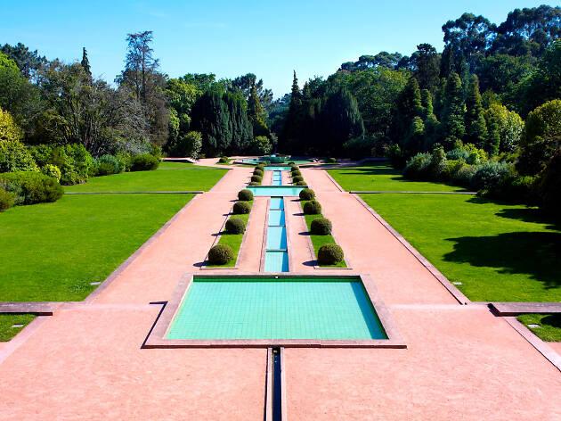 16. Conviértete en un experto en arte contemporáneo visitando la Fundação de Serralves