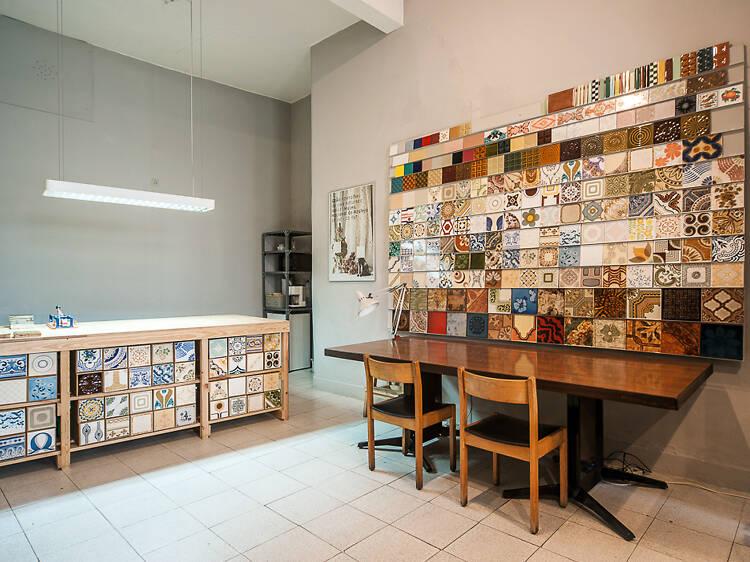 Llévate un azulejo portugués visitando Cortiço y Netos