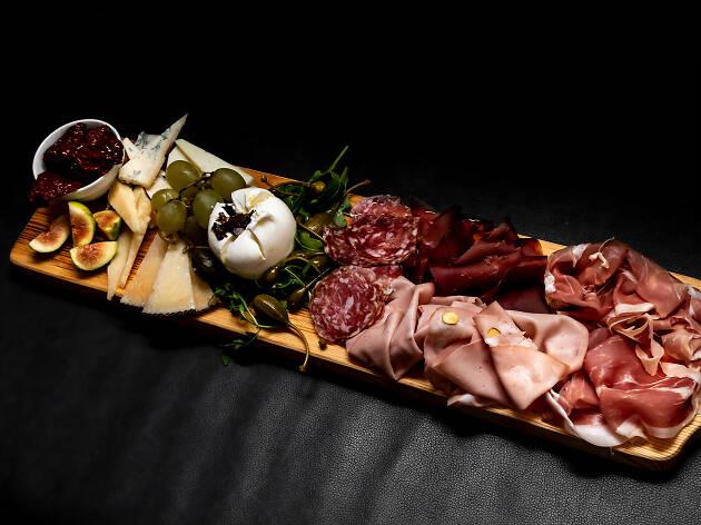 Restaurante, Muti, Pizzaria, Tábua de queijos e enchidos