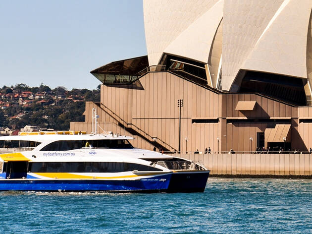 Boat on water in front of Sydney Opera House, Manly Fast Ferry