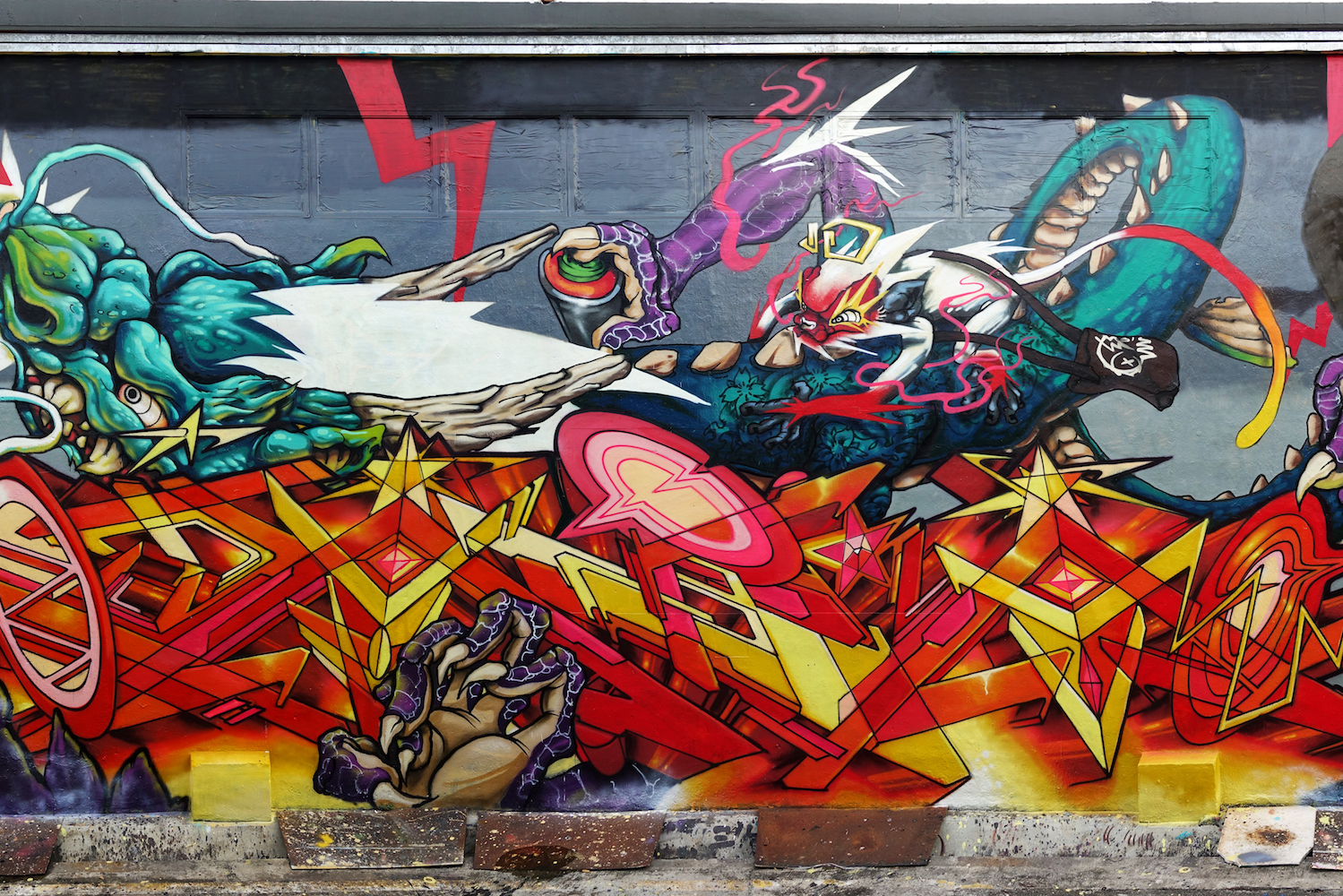 ANTZ, graffiti