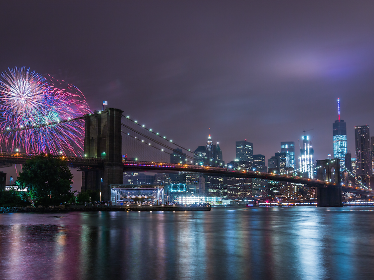 Macy's 4th of July fireworks are returning to the Brooklyn Bridge this summer