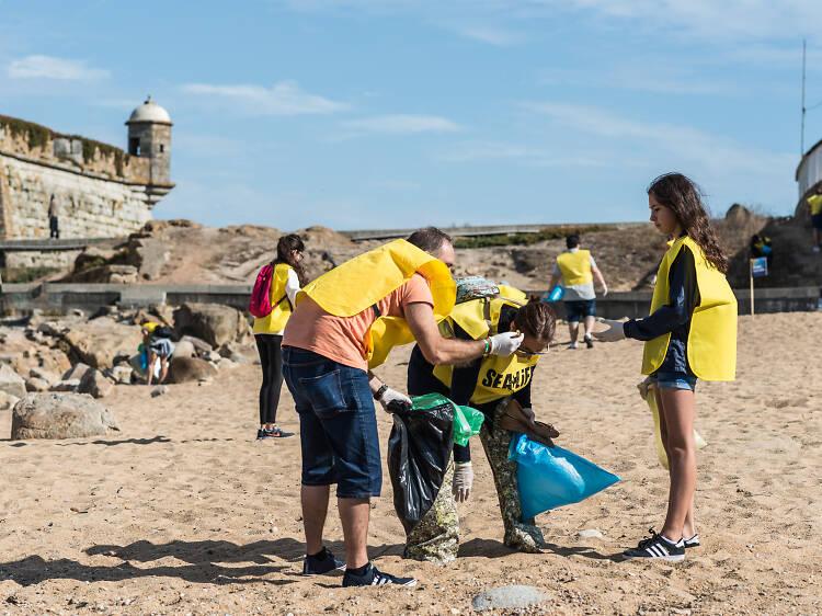 Junte-se à equipa de plogging do Sea Life Porto