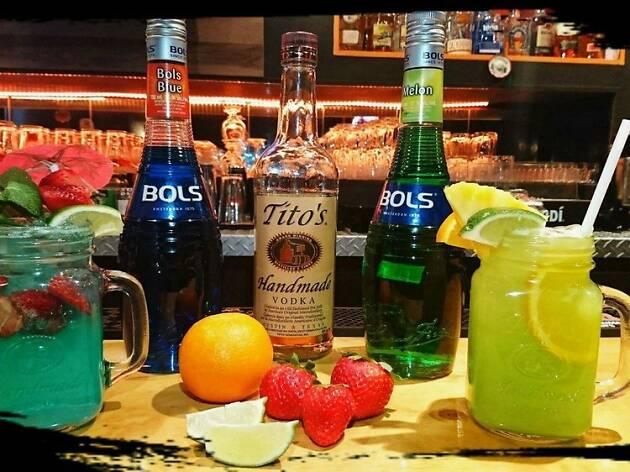Mezcaleros Tapas & Cocktails