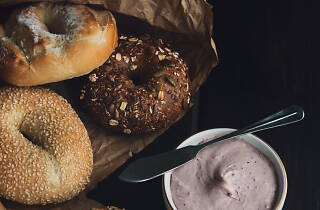 Generic bagels and spread