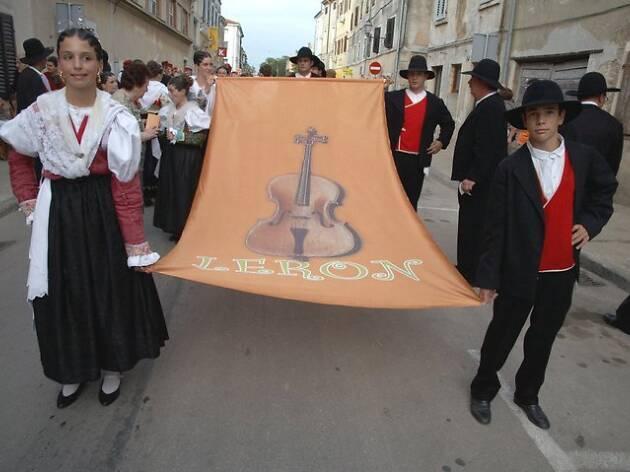 Leron Folk Festival