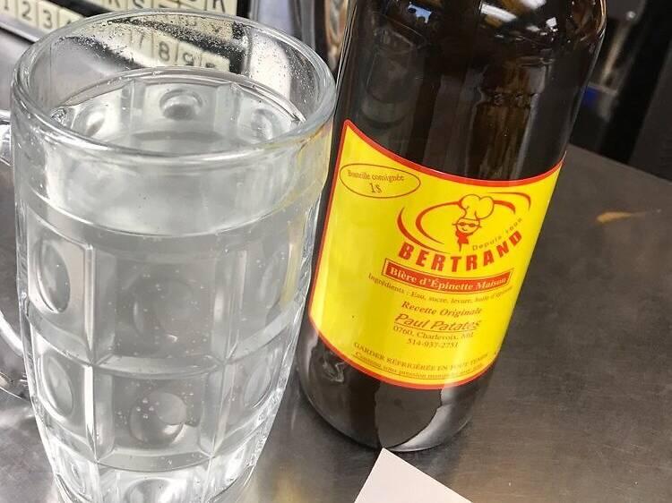 Une bière d'épinette chez Paul Patates