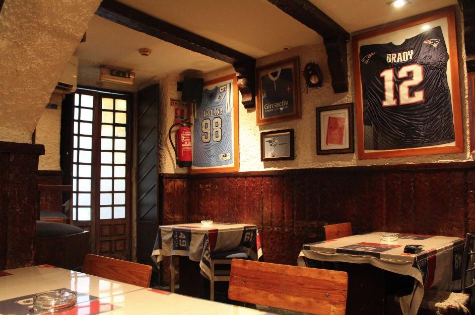 Mignon Sports Bar