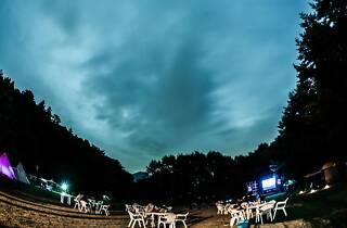 湖畔の映画祭