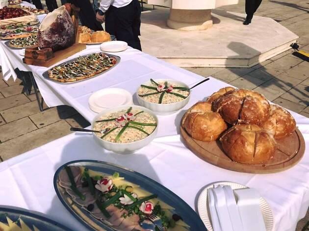 Makarska food event for Easter