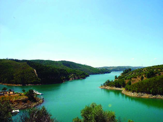 O Lago Azul: a albufeira de Castelo de Bode