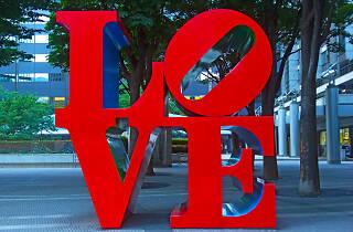 Love sculpture by Robert Indiana