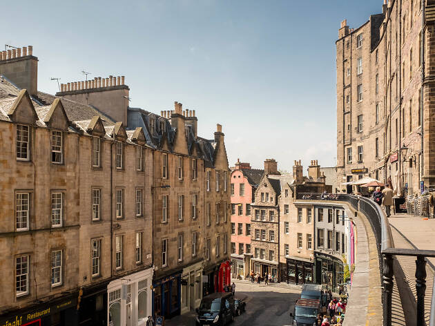 A view of Victoria Street in Edinburgh