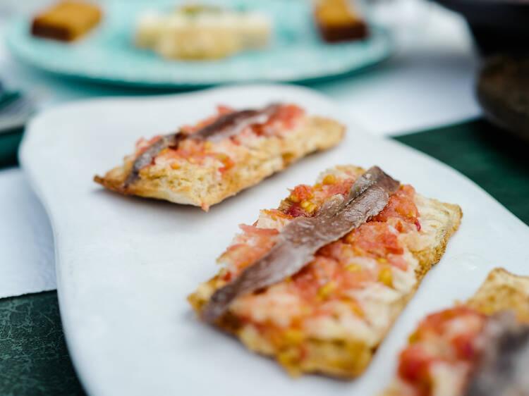 La Rambla:番茄莎莎醬伴烤麵包