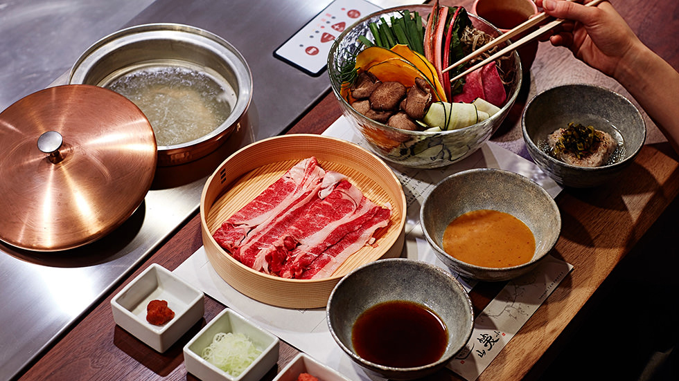 Solo travel in Tokyo: what to do, where to eat, where to stay