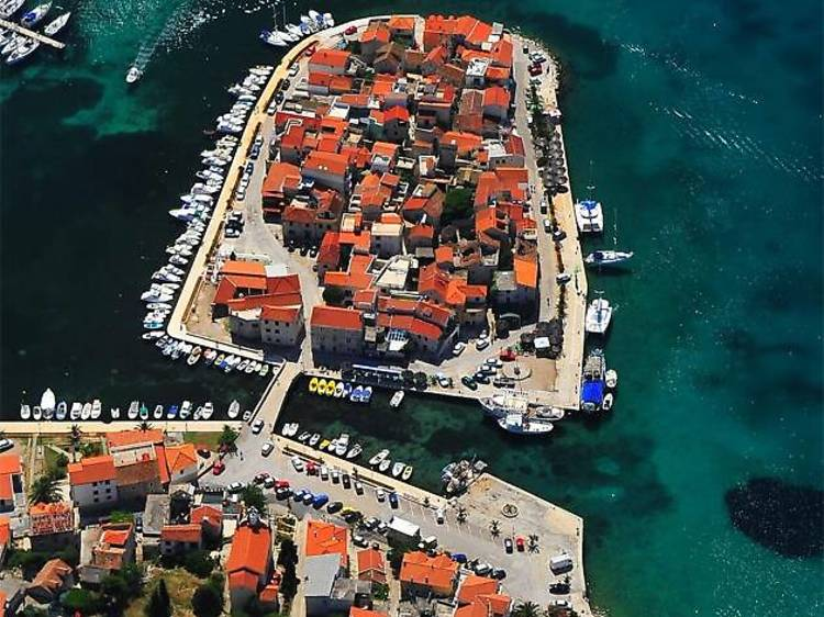 Discover the Old Town of Tribunj